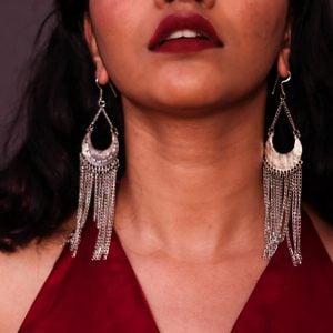 Boho Asymmetrical Metallic Chain Dangler Earrings Lifestyle Image