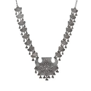 Handcrafted Silver Lookalike Royal Elegant Brass Oxidised Necklace Main Image