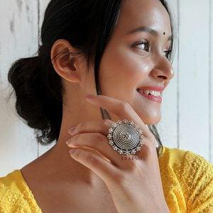 Silver Lookalike Brass Adjustable Ring – Roza Lifestyle Image