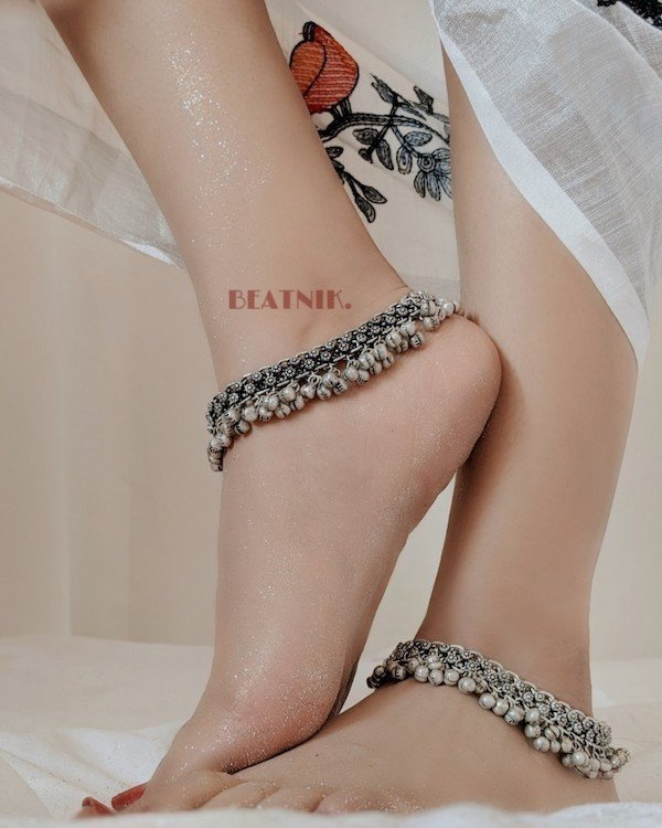 Traditional Ghungroo Oxidised Anklet/Payal Pair Lifestyle Image