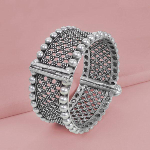 Silver Lookalike Brass Oxidised Round Jaali Boho Bangle - Adjustable Studio Image