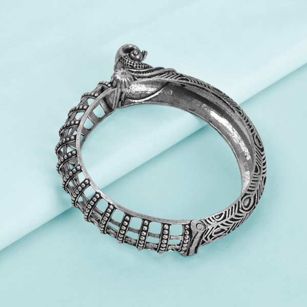 Silver Lookalike Brass Oxidised Jaali Mor Motif Bangle - Adjustable Studio Image